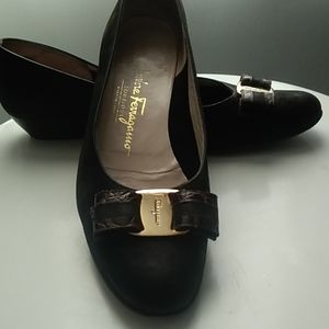 Salvatore Ferragamo Suede-Leather Bow Shoes